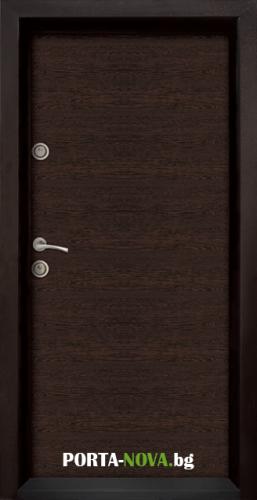 Блиндирана входна врата модел Ale Door 403 във Варна