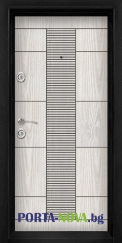 Блиндирана входна врата модел T-901 във Варна